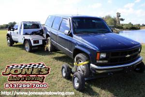 Jones SUV Tow services in Valrico, Florida