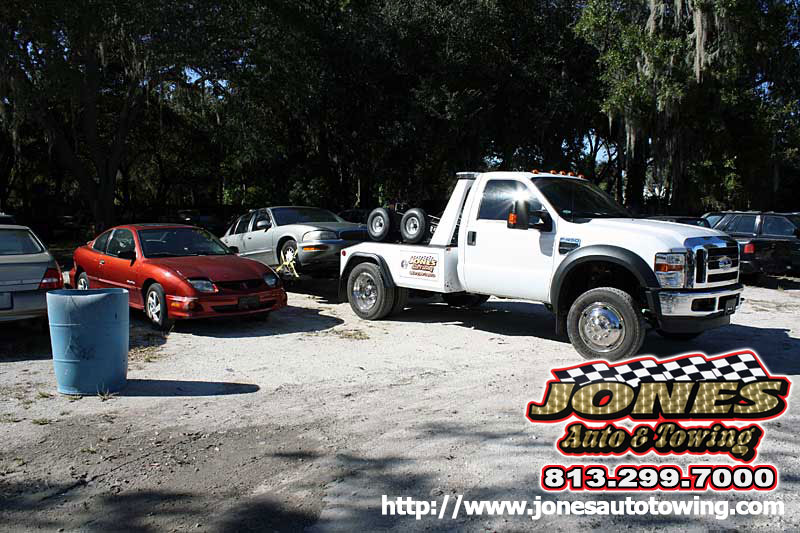 Towing Riverview FL |Roadside Service | Jones Auto Towing